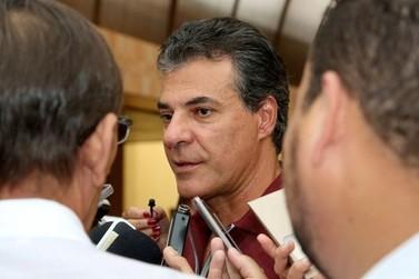 Desafio do Paraná e municípios como Umuarama é superar crise econômica, segundo Beto Richa