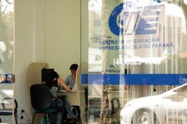 Diante da crise, contratação de estagiários ganha espaço em Umuarama