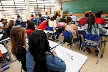 Escolas estaduais retornam à rotina, após paralisação na última semana