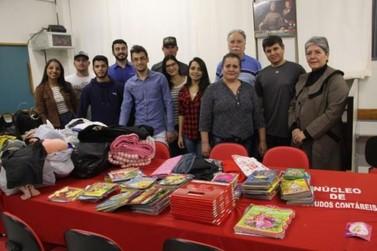 Estudantes da Unipar doam agasalhos para instituições filantrópicas
