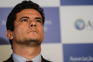 Juiz Sérgio Moro fará palestra em Maringá e renda será revertida para Apae