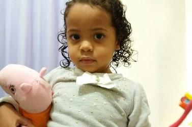 Menina com leucemia necessita de doação de sangue em Umuarama