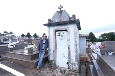 Pedreiro mora há 11 anos dentro do cemitério de Marialva