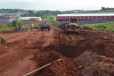 Prefeitura de Umuarama inicia pavimentação de rua no Parque Industrial 3A