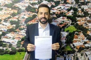 Primeiro projeto de lei da Câmara de Umuarama exige sistemas de reutilização da água em lava-jatos