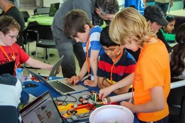 Professores podem participar de aulas de formação digital no Scratch Day Umuarama