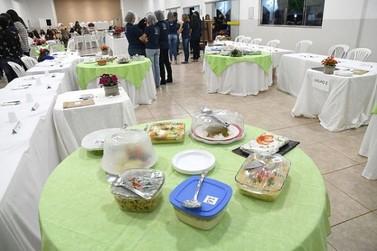 Purê de batatas com carne e legumes é o melhor prato da merenda escolar em Umuarama