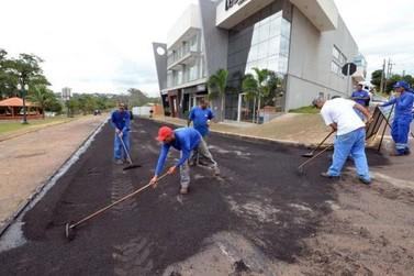 Reperfilamento melhora condições de vias na região do Lago Aratimbó