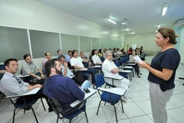 Reunião com prefeito busca solução para escoamento de 30 mil consultar reprimidas
