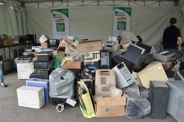 Sescap-PR realiza coleta de lixo eletrônico em Umuarama