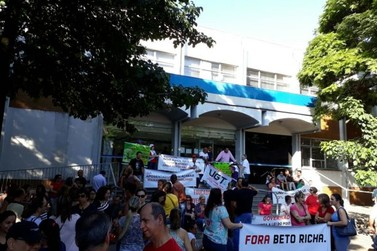 Sindicatos promovem paralisações contra a reforma da previdência em Umuarama