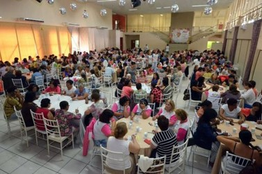 Smel reúne grupos da terceira idade para homenagem pelo Dia das Mães