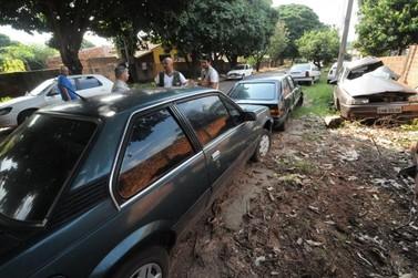 Vigilância em Saúde mantém notificação de veículos em situação de abandono