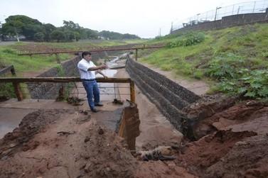 Prefeitura de Umuarama registra danos ocasionados por chuva em pontes e ruas