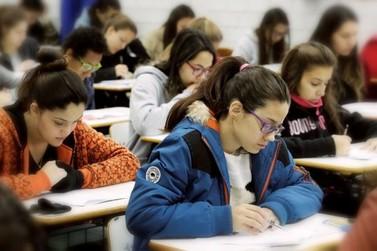Vestibular da UEM começa neste domingo com 1.207 candidatos de Umuarama