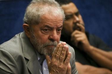 Sérgio Moro determina prisão de Lula