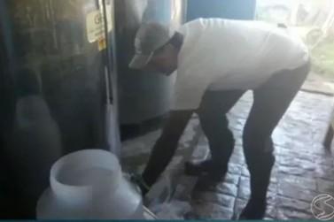 520 mil litros de leite estão sendo descartados por dia em Barra Mansa