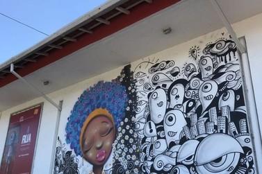 Exposição 'A Rua' reúne trabalhos de artista plástico de Volta Redonda