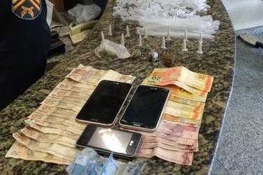 Dupla é presa após ser flagrada vendendo drogas em Paraíba do Sul