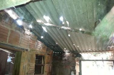 Mais de dez casas são atingidas pela forte chuva em Valença