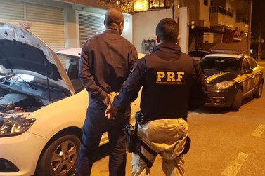 Homem é preso com mais de R$ 70 mil e carro clonado na Dutra em Itatiaia