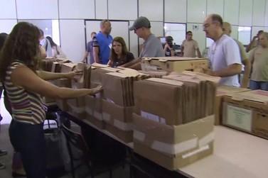 TRE-RJ imprime a 'zerésima' e distribui urnas para a votação deste domingo