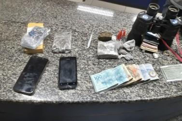 Trio é preso por tráfico e mais de R$ 3,8 mil são apreendidos em Três Rios