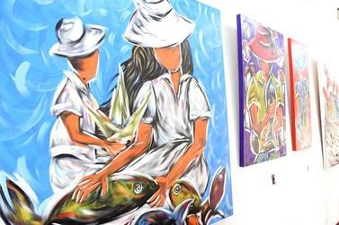 Exposição 'Das Cores de Angra' retrata costumes de pescadores em Angra dos Reis