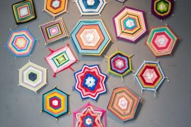 Exposição de Mandalas traz cores e formatos criativos a Piraí
