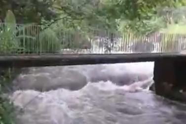 Cabeça d'água deixa um morto e desaparecidos em Itatiaia