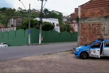Moradores de Piraí reclamam de viatura da PM fazendo segurança da casa de Pezão