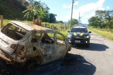PRF encontra carro roubado em Vassouras