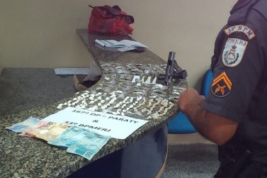 Dois jovens são presos com arma e drogas em Paraty