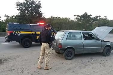 Motorista sem habilitação é preso com carro furtado na Via Dutra, em Piraí