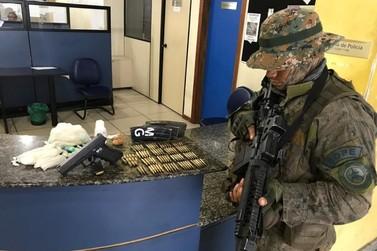 Bope prende homem com armas, munições e drogas no Frade em Angra dos Reis