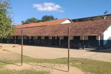 Criminoso furta alimentos de escola pública em Vassouras e deixa recado