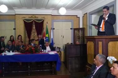 Luciano Vidal toma posse como novo prefeito de Paraty