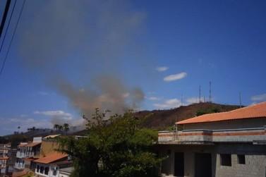 Incêndio atinge área de vegetação em Vassouras