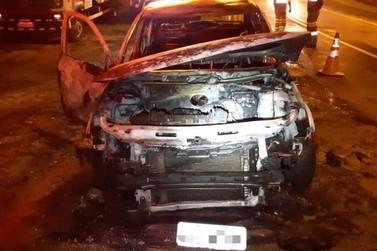 Motorista e passageiro escapam ilesos de incêndio em carro BR-393, em Vassouras