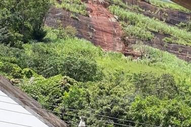 Deslizamento de terra faz Defesa Civil alertar donos de imóveis em Jamapará