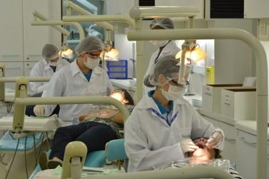Unidade móvel realiza atendimentos odontológicos gratuitos em Vassouras