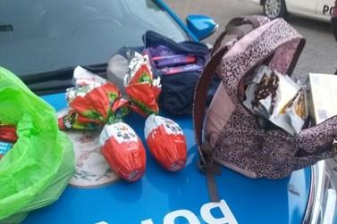 Três mulheres furtam barras de chocolate e ovos de Páscoa e fogem em Resende