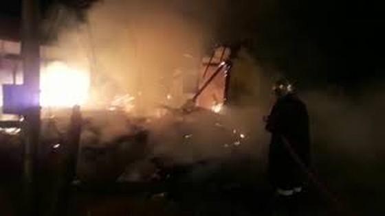 Mulher é encontrada carbonizada após incêndio em casa abandonada em Loanda - ® Portal da Cidade   Paranavaí