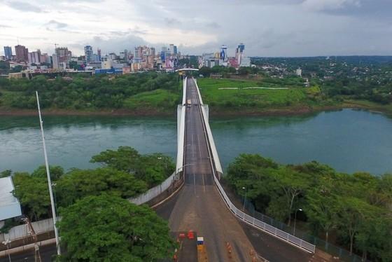Ponte da Amizade está fechada desde março.