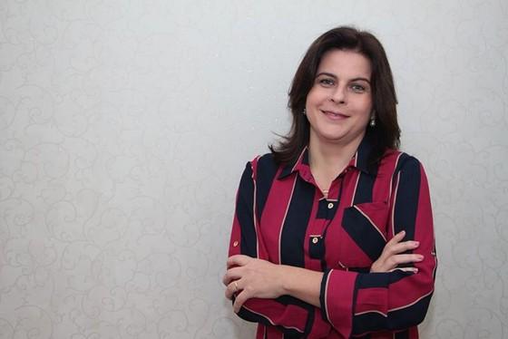 Mary Segatti é psicoterapeuta, realiza acompanhamento psicológico em crianças, adolescentes e adultos