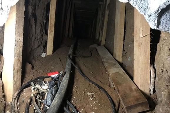 Polícia acha túnel usado para furto de combustível da Petrobras
