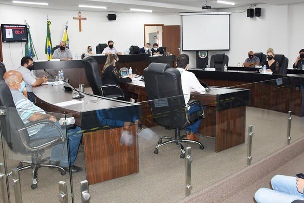 Sessão extraordinária ocorreu nesta sexta-feira (09)